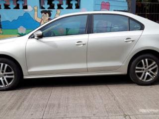 2011 Volkswagen Jetta 2011 2013 2.0L TDI Highline AT for sale in Pune D2262814