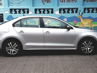 2011 Volkswagen Jetta 2011 2013 2.0L TDI Highline AT for sale in Pune D2262865