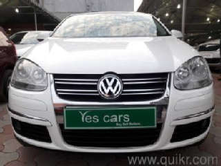 Golden 2011 Volkswagen Jetta 2.0L TDI Highline 89000 kms driven in Domlur