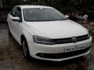 2012 Volkswagen Jetta 2011 2013 2.0L TDI Highline AT for sale in Pune D2167782