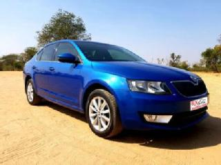 2014 Skoda Octavia 2.0 TDI MT Ambition for sale in Ahmedabad D1998558