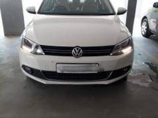 White 2014 Volkswagen Jetta Highline TDI 65000 kms driven in Saibaba Colony