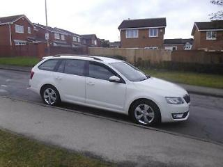 2015/65 Skoda Octavia Estate 1.6 TDI CR 110 Greenline WHITE