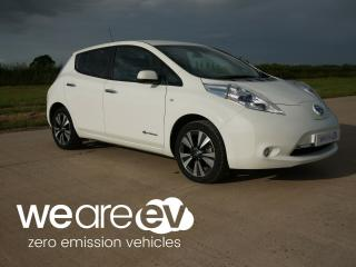 2015 65 Nissan LEAF Tekna 30kWh. 3.3kW Charger