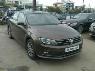 2015 Volkswagen Jetta 2011 2013 2.0L TDI Highline AT for sale in Pune D2242281