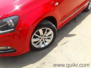 Red 2015 Volkswagen Polo Highline1.5L D 82,000 kms driven in Lucknow City