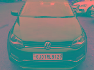 White 2015 Volkswagen Polo Highline1.5L D 72000 kms driven in 132 Feet Ring Road