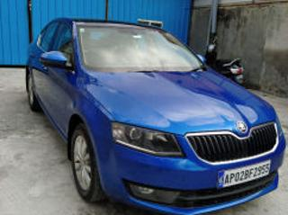 2016 Skoda Octavia 2013 2017 Ambition 2.0 TDI AT for sale in Bangalore D2282080