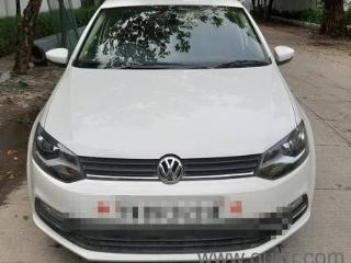 White 2016 Volkswagen Polo Highline1.5L D 24000 kms driven in Anna Nagar