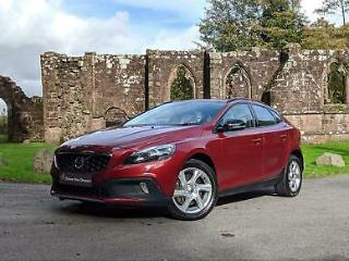 2016 Volvo V40 D2 CROSS COUNTRY LUX Rear Parking sensors, Bluetooth hands free