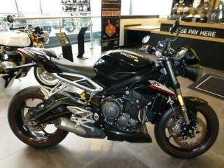 2017/67 TRIUMPH STREET TRIPLE RS, CRYSTAL BLACK, 1617 MILES, IMMACULATE