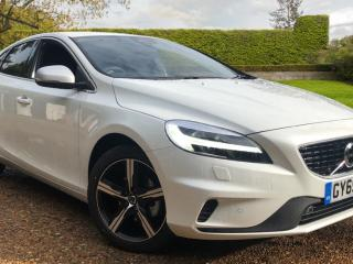 Volvo V40 D2 R Design Pro Edition Manual Hatchback 2019, 2000 miles, £19750
