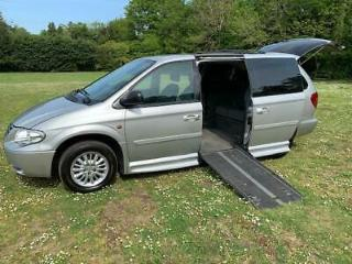 Chrysler Grand Voyager 2.8 auto disabled can take three wheelchairs or 7 seater