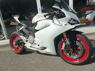 DUCATI PANIGALE 959, AKROPOVIC EXHAUSTS, 1 OWNER VERY LOW MILES, IMMACULATE!