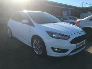 Ford Focus 1.0T 125ps EcoBoost s/s 2017 67 ST Line white low miles