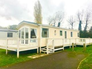 Holiday Home with included Decking Stunning Pitch NORFOLK BROADS