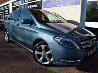 Mercedes Benz B180 1.6 Blue F s/s 2013 Sport Leather Rev. Camera 1 Owner