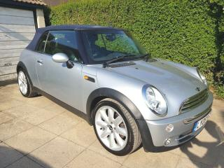 MINI CONVERTIBLE 1.6 Cooper 2dr SERVICE HISTORY only 36400 miles