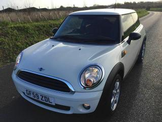 MINI FIRST 2009 IN WHITE/CREAM, GREAT CONDITION, ONLY 39000 MILES