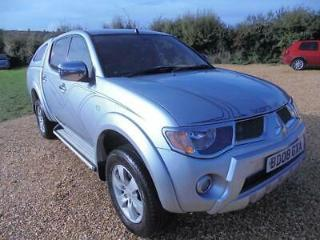 Mitsubishi L200 4Wd Lwb Animal Dcb Pick Up 2.5 Automatic Diesel