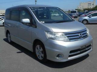 Nissan Serena Highway Star 8 seater 2.0 petrol auto Low Miles
