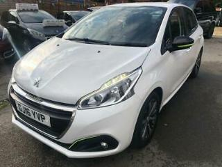 Peugeot 208 1.2 PureTech 82bhp 2015.5MY XS Lime