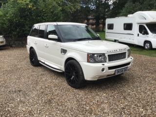 Range Rover Sport Hse Tdv6 Onxy 4x4 Estate full service history and low mileage