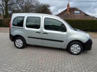 Renault Kangoo AUTOMATIC Wheelchair Scooter Accessible Adapted WAV. 15000 Miles