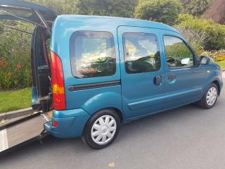 RENAULT KANGOO EXPRESSION AUTOMATIC EASY TRANSFER TO & FROM WHEELCHAIR VEHICLE