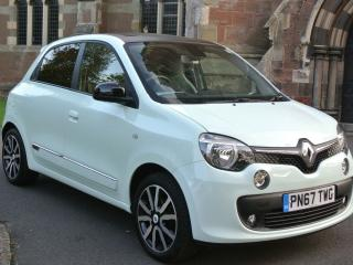 RENAULT TWINGO ICONIC TCE 2700 MILES ONLY