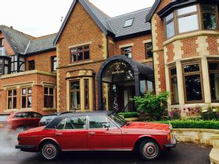 ROLLS ROYCE 1986 CLASSIC CAR, PERFECT FOR WEDDINGS, PHOTO SHOOTS