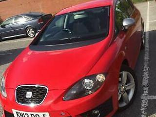 Seat Leon 2.0 211ps DSG 2012 FR+ in red
