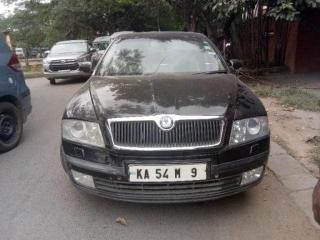 skoda laura 2006 L&K 2.0 TDI AT