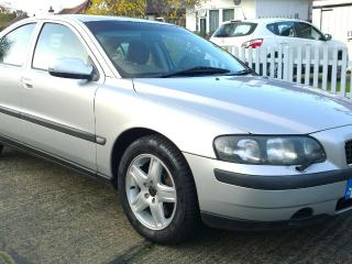 SUPERB VOLVO S60 2.4T AUTO AUTOMATIC SILVER ONLY 45,350 LOW MILES FSH 2 OWNERS
