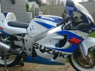 SUZUKI GSXR 600 SRAD 1999 MAKE A GOOD TRACK BIKE