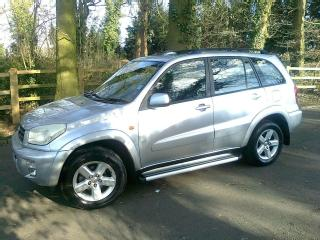 TOYOTA RAV4 2.0 VX AUTOMATIC ONE LADY OWNER FULL TOYOTA HISTORY LOW MILEAGE