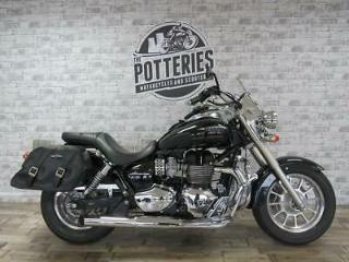 Triumph Bonneville America 865 2014 with saddle bags and screen