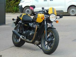 TRIUMPH STREET CUP SUPER LOW MILES ONLY 2,300 MILES