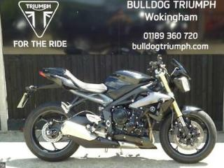 TRIUMPH STREET TRIPLE, 1 OWNER, ONLY 4099 MILES