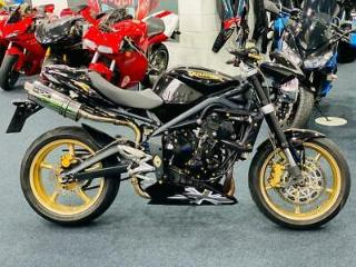 Triumph Street Triple R LOADED WITH EXTRAS ! STUNNING !