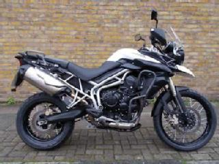 TRIUMPH TIGER 800 2011 WHITE ONLY 15477 MILES! ADVENTURE BIKE
