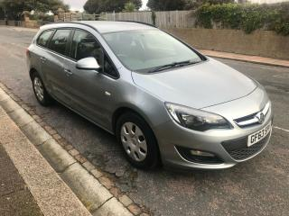 Vauxhall Astra Tourer 2013 Silver Manual low tax £30.00 year