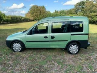 Vauxhall/Opel Combo disability vehicle WAV diesel auto SHOWROOM CONDITION
