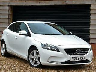VOLVO V40 1.6TD D2 115bhp ES 5dr Hatch Diesel Manual White