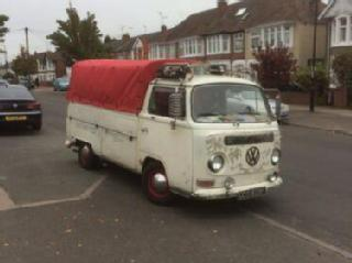 VW t2 1968 single cab bay window pickup / Camper