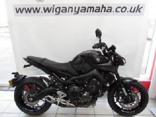 YAMAHA MT 09, 68 REG ONLY 190 MILES, ABS, QUICK SHIFTER, TRACTION, D MODE