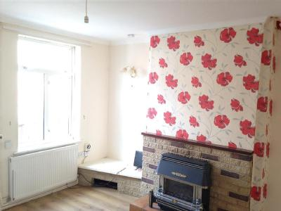 Welbeck St, Creswell, S80 - Terrace