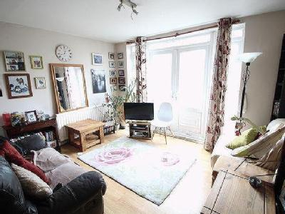 Welford Close, E5 - Maisonette