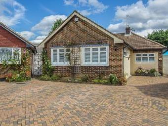 Monks Avenue, West Molesey KT8
