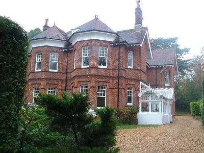 West Overcliff Drive, Westbourne, Bh4